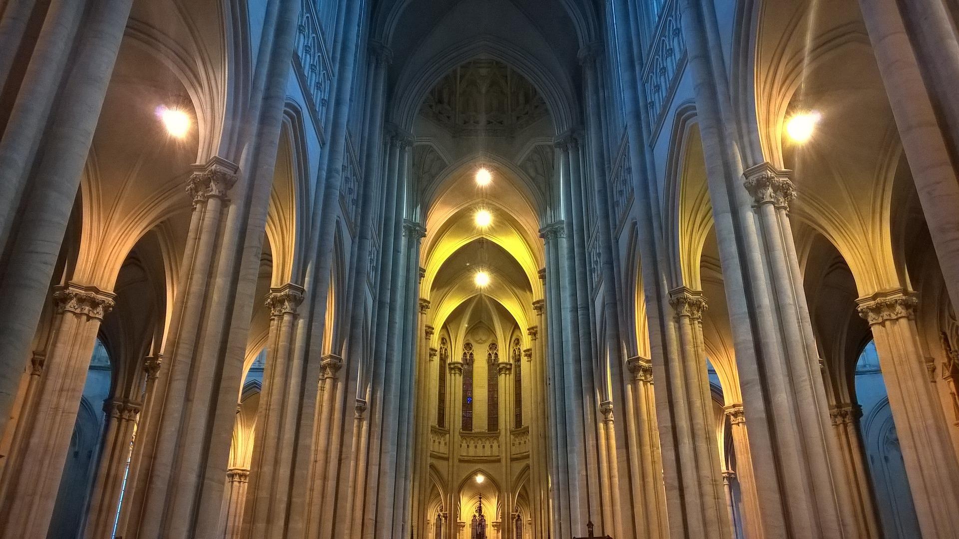 Inteligentné osvetlenie kostola Taphome